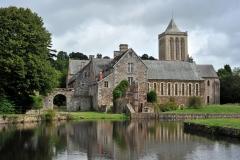 Randonnées : « D'une abbaye à une autre » : de la Lucerne d'Outremer au Mont Saint-Michel (environ 30 km)
